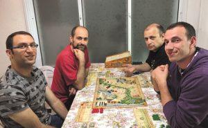 "דויד, גנאדי, עודד ואלדד משחקים ב""איגיזה"" צילום:  עירית פאר אהרונוביץ'"